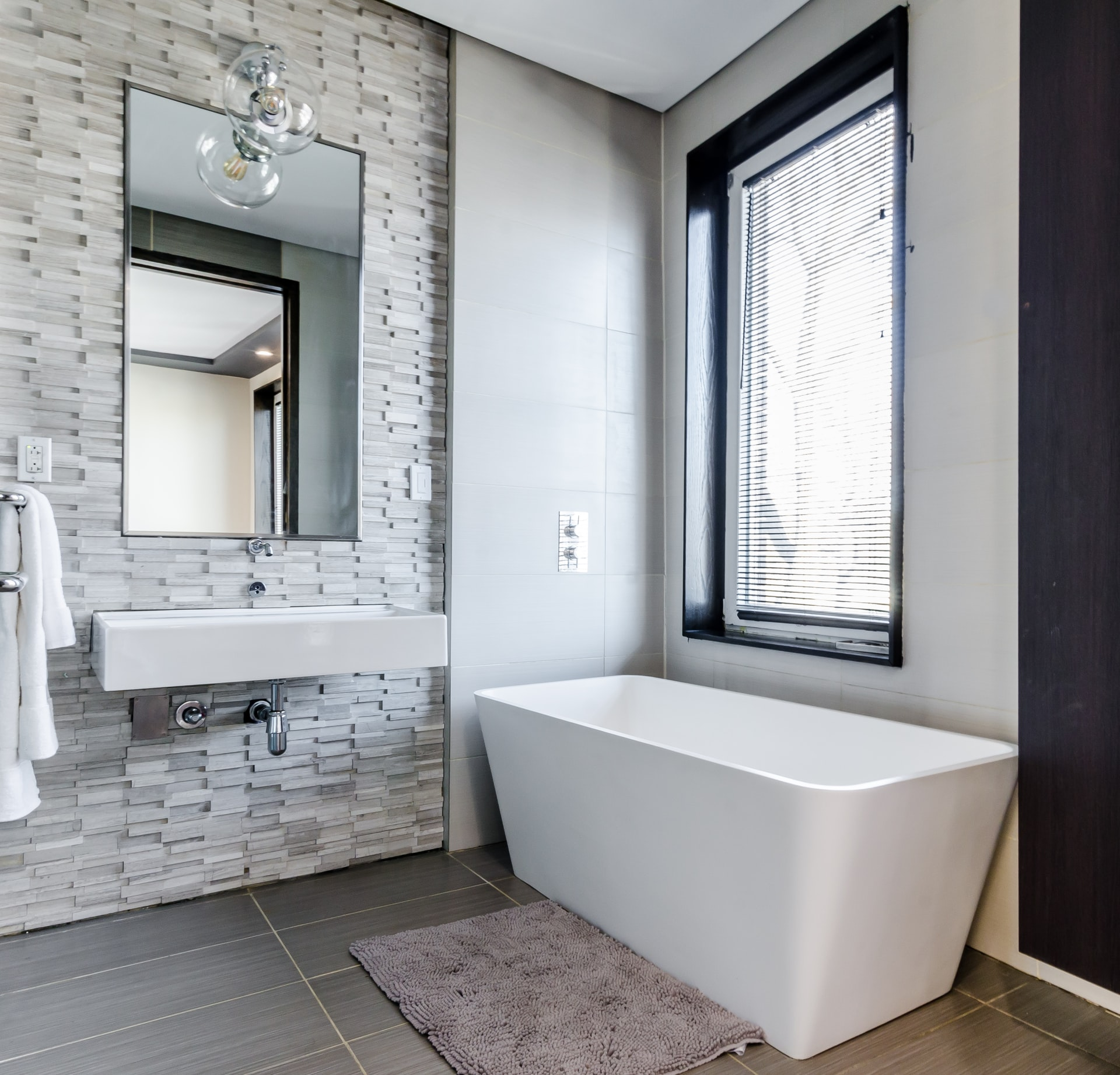 what a bathroom tile store in glendale can do for you